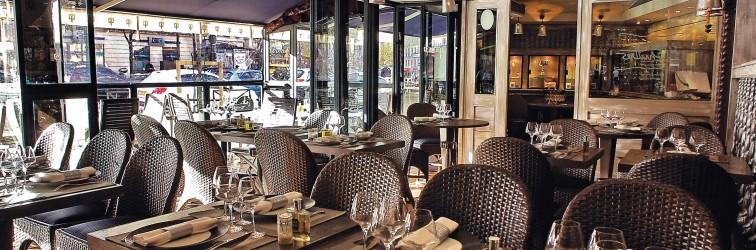 Le Bar à Huîtres - Place des Vosges